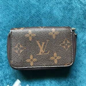 Authentic Louis Vuitton key Chain holder/coin